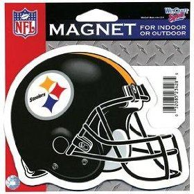 Show details of PITTSBURGH STEELERS 5X4 INCH HELMET MAGNET IN OUTDOOR.