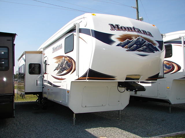 2009 KEYSTONE MONTANA 3400RL Hope Mills NC 28348 Photo #0035264A