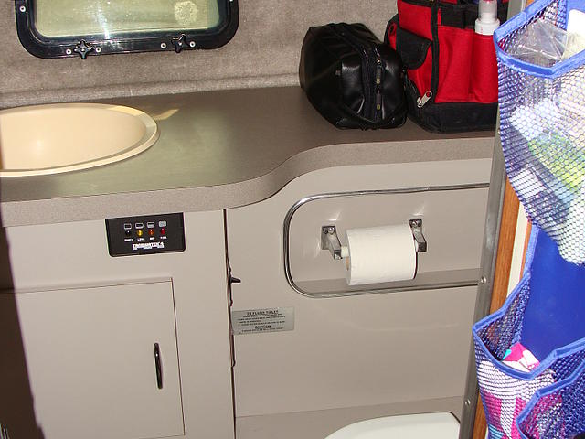 1988 CRUISERS 3370 Esprit Port Clinton OH 43452 Photo #0051743A