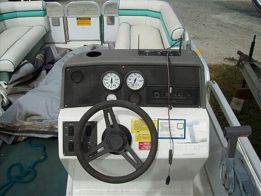1990 Hurricane Boats 20 Fun Deck Dawsonville GA 30534 Photo #0052273A