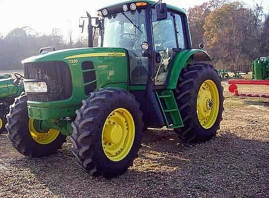 2010 John Deere 2010 JOHN DEERE 7330 Albion Iowa 50005 Photo #0132641A
